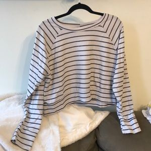 Tops - Comfy white and black striped crop